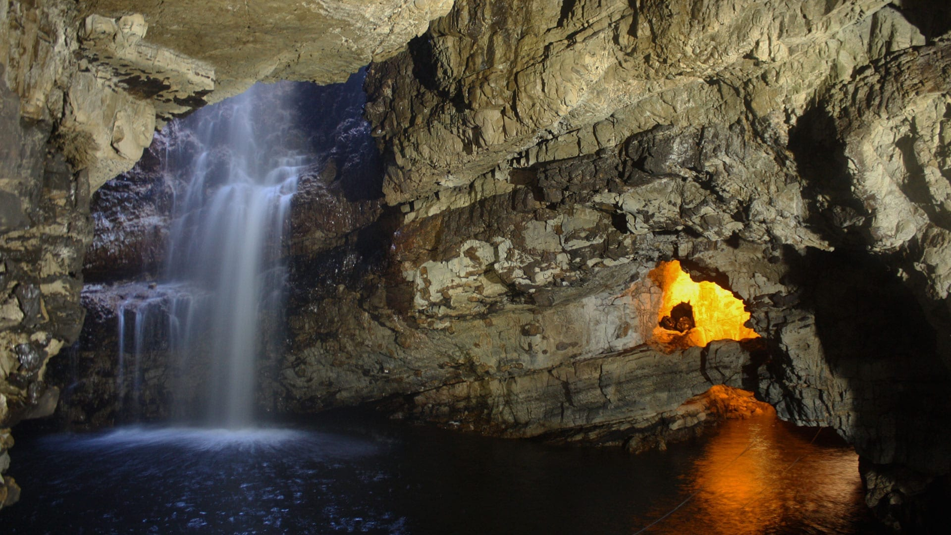 smoo cave in durness
